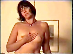 Mature Amateur Housewife Show Tits And Vagina On Private Tape