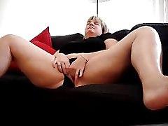 Pawg Plays In Her Panties