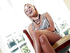 Smothered In Lexi Swallow Snatch