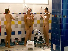 Sarah Silverman & Michelle Williams (hq) - Naked Shower
