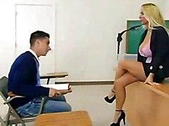 Professoressa troia scopata da studente