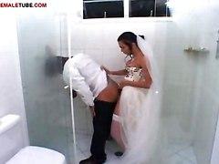 Shemale Bangs Her Bridegroom