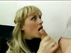 Pretty Blonde Opens All Her Holes
