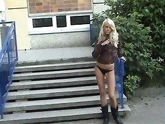 Nice Blond Girl Masturbate At School Area