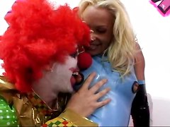 Jodie Moore Doesn\t Think Fucking A Clown Is Funny