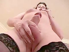 Tranny Playing Until She Cums