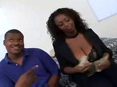 Natural Big Breasted Ebony Gets Hood Hunted