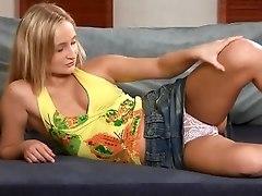 Blonde Teen Sweetie Masturbates