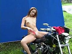 Hotlegs-julia Outdoor Dildo Play